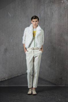 http://www.style.com/slideshows/fashion-shows/pre-fall-2015/akris/collection/8