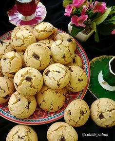Read more Via = cahide Are there anyone trying my fat-free cookie recipes? Though special…, Cookie Recipes Yami Yami, Starbucks Recipes, Biscuit Cookies, Turkish Recipes, Easter Eggs, Tea Time, Cookie Recipes, Biscuits, Stuffed Mushrooms