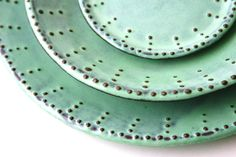 30 summer tableware and décor finds on Etsy Dining Ware, Mindful Living, Plated Desserts, Beauty Trends, Dinner Plates, Tableware, Unique, Handmade, Etsy