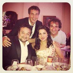 Erwin Schrott: Shiny happy people having dinner after music... [Ramon Vargas, Erwin Schrott, Anna Netrebko and Maestro Marco Armiliato.]