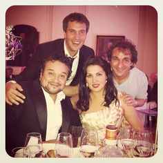 Erwin Schrott: Shiny happy people having dinner after music... [Ramon Vargas, Erwin Schrott, Anna Netrebko and Maestro Marco Armiliato.]