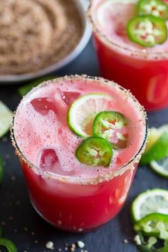 This jalapeno watermelon margarita is your new favorite margarita. The perfect balance of sweet and spicy and made with fresh pureed watermelon and spiked with jalapenos and just a splash of tequila, lime juice and orange liqueur. Watermelon Cocktail, Watermelon Margarita, Jalapeno Margarita, Margarita Cocktail, Spiked Watermelon, Sweet Watermelon, Margarita Recipes, Cocktail Recipes, Gastronomia