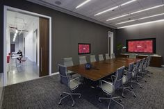 Enterprise software company Infor recently relocated their headquarters from Alpharetta, Georgia to the Flatiron district in New York City. Working with global architecture firm VOA, a key goal of the new 48,000 sqft space is to create a collaborative environment that matches the core ideas of the company's software offerings.
