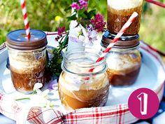 Die perfekte Erfrischung: Unsere Top 5 Eiskaffee-Rezepte von einfach bis üppig, die im Sommer für kühle Abwechslung im Glas sorgen.