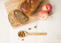 Suikervrij Bananenbrood met Wilde Perzik & Moerbeien