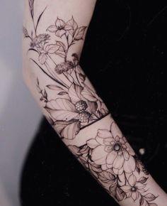 Arm Band Tattoo For Women, Tattoos For Women Half Sleeve, Arm Sleeve Tattoos, Best Tattoos For Women, Half Sleeve Tattoos Space, Cute Tattoos, New Tattoos, Tatoo Floral, Botanisches Tattoo