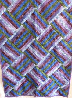 WALLHANGING or KNEE COVERING Quilt  Done in by DonnaleesTreasures, $18.00