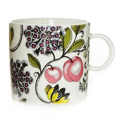 The colorful Persikka cup is designed by Tanja Orsjoki for the brand Vallila Interior. The cup is made of porcelain and has a detailed pattern with lovely pink peaches and flowers. Enjoy your tea or coffee in this pretty cup and combine it with other beautiful pieces from the Persikka collection!