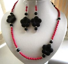 """30"""" BLACK LAVA ROCK AND PINK NECKLACE AND EARRING SET £ 12.00 - Creative Connections"""