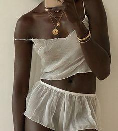 @lefevrediary on instagram. ✨ Feminine, Crop Tops, Clothes, Instagram, Women, Fashion, Amor, Women's, Outfits