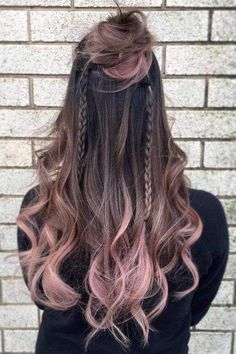 Here are some of the best hair color ideas for brunettes including brown hair shades, brunettes with highlights and seasonal trends. Dark Ombre Hair, Red Blonde Hair, Brown Hair With Blonde Highlights, Black Hair, Golden Blonde, Brown And Pink Hair, Hair Color Highlights, Pink Brown, Brunette Color