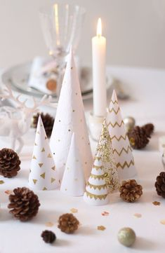 Christmas the most beautiful table decorations for Christmas Christmas Tablescapes, Christmas Table Decorations, Decoration Table, Blue Christmas Decor, Christmas Time, Christmas Crafts, Christmas Costumes, Ostern Wallpaper, Homemade Tables