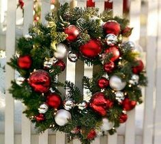 Check Out 41 Inspiring Outdoor Christmas Decorations. Outdoor Christmas decorations help to create a festive atmosphere and greet your guests. Diy Christmas Garland, Outdoor Christmas Decorations, Holiday Wreaths, Winter Christmas, Holiday Crafts, Xmas, Simple Christmas, Tree Decorations, Christmas Wreaths For Front Door