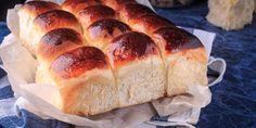 Το ψωμί είναι μια συνταγή που κέρδισε και πάλι τη θέση που της αξίζει στην κουζίνα των Ελλήνων. | GASTRONOMIE | iefimerida.gr | ψωμί, Τυρόψωμο, τυρί κρέμα, ψωμάκια, συνταγή, Μάγια