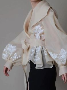 Hand painted organza jacket Silk organza blouse Elegant image 1 – блузка… - Everything About Painting Fashion Details, Look Fashion, Fashion Goth, Couture Fashion, Pet Fashion, Young Fashion, High End Fashion, Vogue Fashion, Unique Fashion