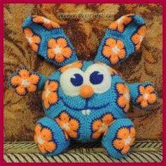 animals made out of crochet african flower motif pattern Bunny Crochet, Crochet Amigurumi, Knit Or Crochet, Cute Crochet, Amigurumi Patterns, Crochet For Kids, Crochet Animals, Crochet Crafts, Crochet Dolls