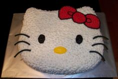 Hello Kitty Face By lacecakes on CakeCentral.com
