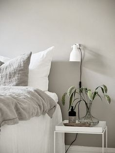 10 Complete Hacks: Minimalist Home Style Couch minimalist bedroom pink inspiration.Minimalist Bedroom Diy Tiny House minimalist home interior small.Minimalist Living Room With Kids Home. Swedish Interior Design, Swedish Interiors, Home Interior, Decor Interior Design, Nordic Design, Interior Colors, Interior Paint, Minimalist Bedroom Boho, Minimalist Interior