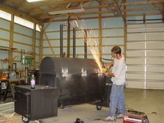 275 gallon oil tank pig smoker Bbq Smoker Trailer, Bbq Pit Smoker, Build A Smoker, Smoker Designs, Ugly Drum Smoker, Bbq Equipment, Custom Bbq Pits, Smoke Bbq, Bbq Island