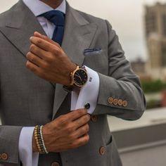 livingpursuit:  MVMT Watches | Black/Gold Leather
