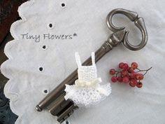 おやゆび姫のチュチュ  Tiny Flowers* にゃんことてしごと ~猫とタティングレース~