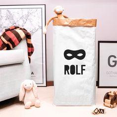 Saco de papel personalizable para guardar juguetes molones y demás tesoros. Ideal para almacenar y decorar habitaciones súper guayonas.