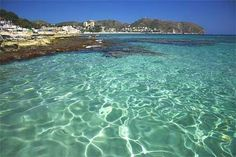 Clear water ahhhh... Moraira, Spain. Places To Travel, Places To See, Murcia, Spanish Holidays, Heavenly Places, Alicante Spain, Exotic Places, Spain And Portugal, Spain Travel