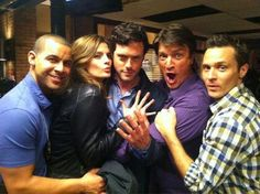 Hi ,im nearly 3 years ago i started to watch castle and i watched season non stop, than i saw stanas photo from season 6 and i couldnt believe how beautiful she is after that day im fan of Stana Katic. Tv Castle, Castle 2009, Castle Tv Series, Castle Tv Shows, Castle Beckett, Castle Tv Show Cast, Nathan Fillion, Stana Katic, Brendan Hines