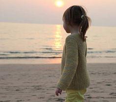 Camisola de menina em tricot com manga comprida