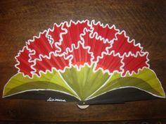 abanico clavelon  madera de peral  ,pais de algodon pintado a mano alzada