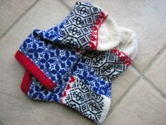 ,from Around the World in Knitted Socks: 26 Inspired Designs