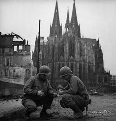 Wiremen of the 3rd Armoured Division, Cologne, Germany, 1945, photo by Lee Miller