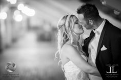 It's so easy as a photographer to skip straight to the kissing shot. But one thing that often gets overlooked is the lead up to the kiss. The moment when the couple closes their eyes and gets read...
