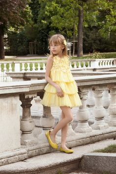 Quis Quis spring summer 2016 elegant pastel shades for an afternoon in Milan…