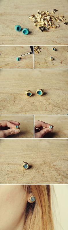 Potete farvi degli orecchini con la foglia d'oro o d'argento Fimo e un piccolo…
