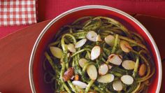 Linguine with Lemony Pesto - 6 ingredients. Ready in less than 30 minutes.