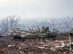 Column of old but durable  T-72's moving towards Grozny early winter 1996