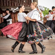Girls dancing in the Slovak folk costumes Folk Costume, Costumes, Mother Family, Girl Dancing, Kids Wear, Midi Skirt, Tulle, The Incredibles, Dance