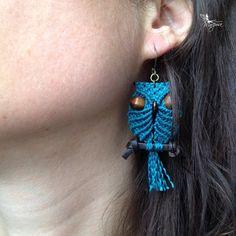 Grands hiboux boucles d'oreilles macramé sur perchoir - bijoux micro macramé bohémien hippie chic gypsy elfe micro macramé micromacramé
