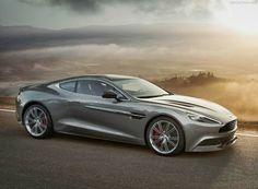 Aston Martin Vanquish, 2013 Edition, un must pour tout passionné.  James bond, ta voiture a été mise à jour !