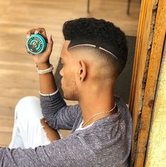 Mens Haircuts Short Hair, Trending Hairstyles For Men, Undercut Long Hair, Black Men Hairstyles, Cool Haircuts, Afro Hairstyles, Classic Mens Haircut, Gents Hair Style, Haircut Designs