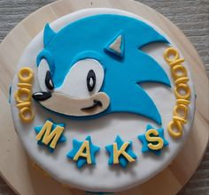 Sonic the hedgehog cake. Using fondant for the first time. Sonic the Hedgehog. Sonic Birthday Cake, Sonic Cake, Sonic The Hedgehog Cake, Fondant, Cake Face, Cakes For Boys, Party Games, Party Ideas, Decorating