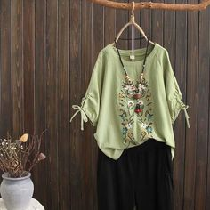 Plus Size Floral Casual Round Neckline Sleeves Blouses Tops – shecici Plus Size Tops, Plus Size Women, Cowgirl Party Favors, Blouse Styles, Ethnic Fashion, Casual T Shirts, Pattern Fashion, Sleeve Styles, Neckline
