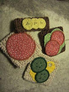 korvmacka Crochet Cake, Crochet Food, Crochet Motif, Crochet Flowers, Free Crochet, Knit Crochet, Crochet Patterns, Crochet Summer Hats, Play Food