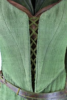 Tauriel's costume Actor: Evangeline Lilly Designer: Lesley Burkes-Harding Made By: 3 foot 7 Costume Dept. —- Post 13/21 from the Costume Trail in Wellington. Message me if you'd like higher resolution...