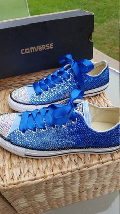 wedding shoes blue Customized OMBRE Crystal Converse Chuck Taylor All Star Low Top Shoes - All Sizes and Colors Converse Wedding Shoes, Wedge Wedding Shoes, Prom Shoes, Bedazzled Shoes, Bling Shoes, Bling Dress, Sneakers Mode, Sneakers Fashion, Shoes Sneakers