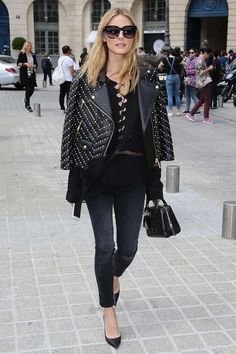 Olivia Palermo giving us major transitional dressing inspo as we prepare our closets for the gradual change in seasons.