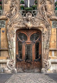 Art Nouveau Doorway at 29 Avenue Rapp, Paris; Built in this Art Nouveau masterpiece is by Jules Lavirotte Architecture Art Nouveau, Beautiful Architecture, Architecture Details, Paris Architecture, Sacred Architecture, Architecture Colleges, Architecture Tools, Landscape Architecture, Cool Doors