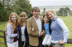 """Isolda Dychauk in the German tv show """"Unsere Farm in Irland"""""""