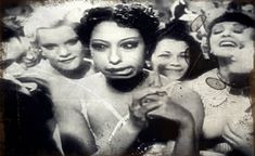Josephine Baker in Zouzou Josephine Baker, African American Hairstyles, African American Women, American History, Vintage Black Glamour, Vintage Beauty, Old Hollywood, Burlesque, Black History